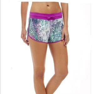 Fabletics Suva Run Shorts II Large